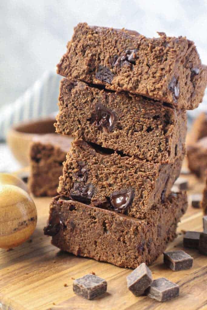 healthy chocolate chunk brownies
